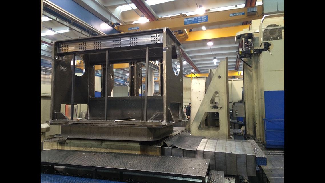 Large pieces machning