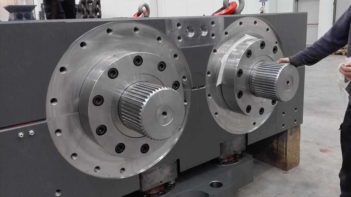 Machining of gearbox components